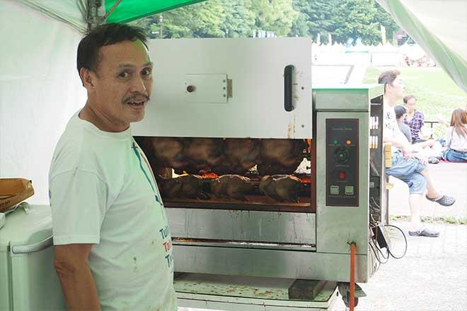 フィリピンの人が大好きなチキン...(n5)<br>LECHON MANOCK